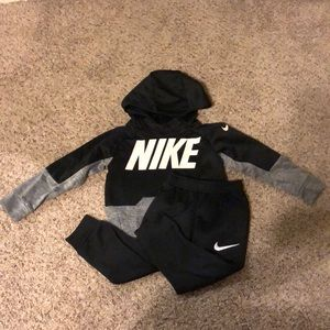 🏃🏻♂️ NIKE TRACK SUIT 🏃🏻♂️